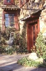 Side door to Shrine Room